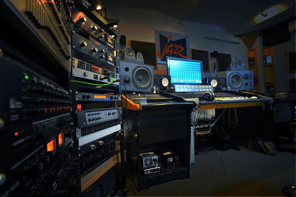 Tuấn Trinh Studio