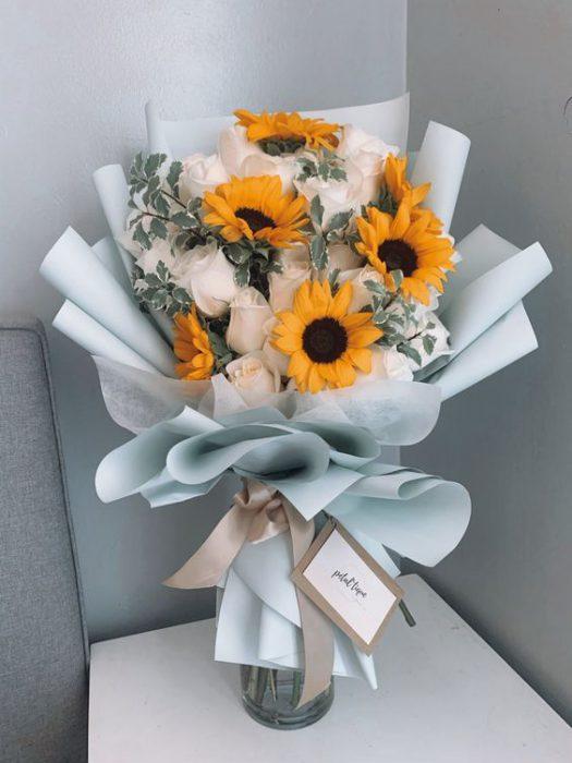 Mẫu giỏ hoa tặng sinh nhật bạn bè